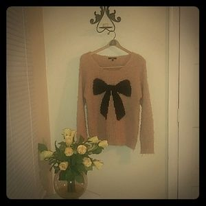lightly knitted, cotton sweater made by Papaya.